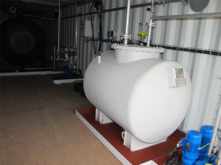 Fuel oil tank 1000 Liter installed in container